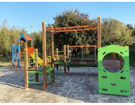 Детская площадка  в коттеджном поселке